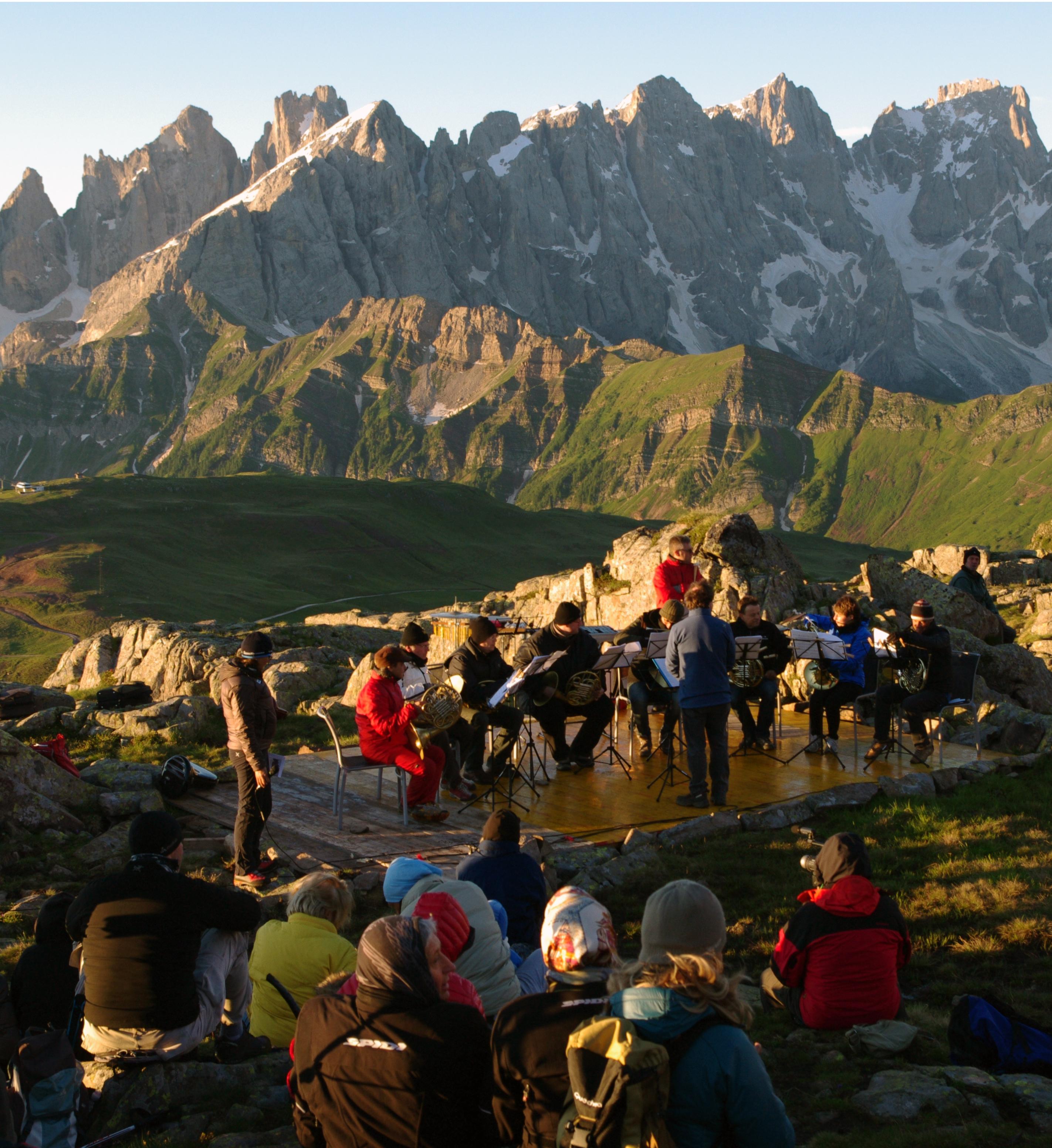 d3051661176a Offerta Suoni delle Dolomiti in Val di Fassa - Hotel Costabella